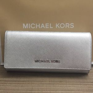 NWT Michael Kors Silver Leather Wallet